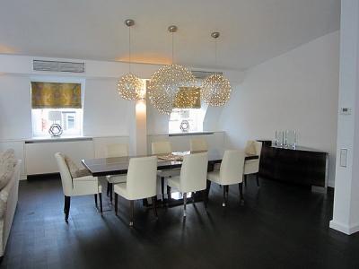Privatwohnung in München / Schwabing, bestehende Möbeleinbauten in weiss umlackiert