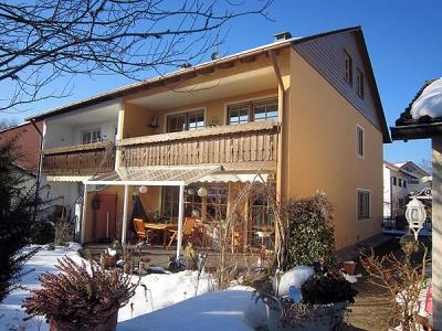 Familie Ritschel in Wolfratshausen, alte Doppelhaushälfte komplett saniert sowie Innen- & Aussenbereich mit Farbe verschönert