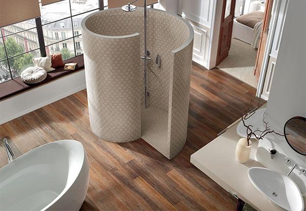 Dusche mit Designboden